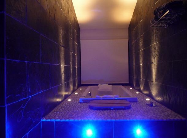 Bathroom by night